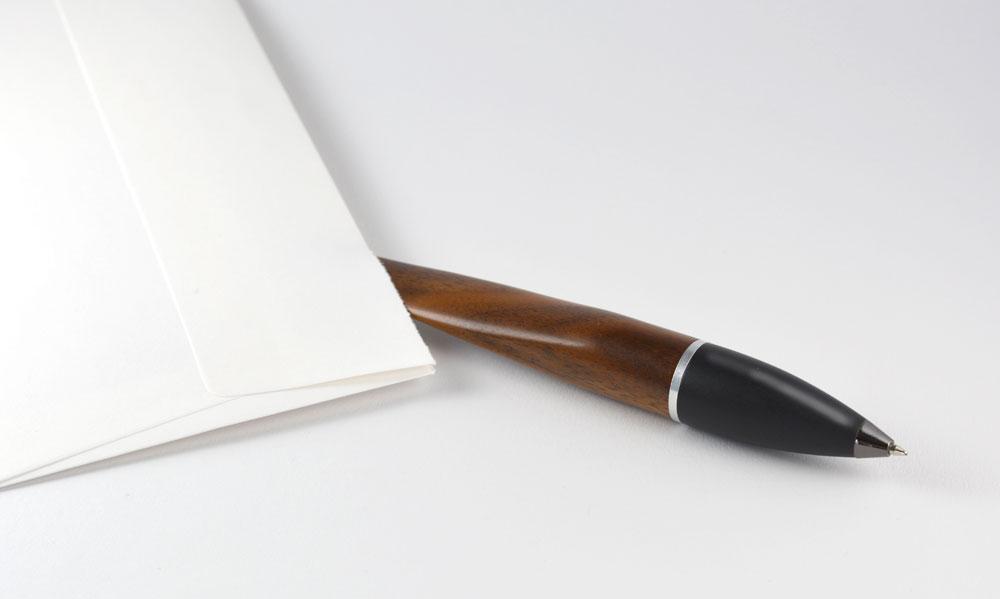 Produktdesign Brieföffner & Kugelschreiber in Aktion